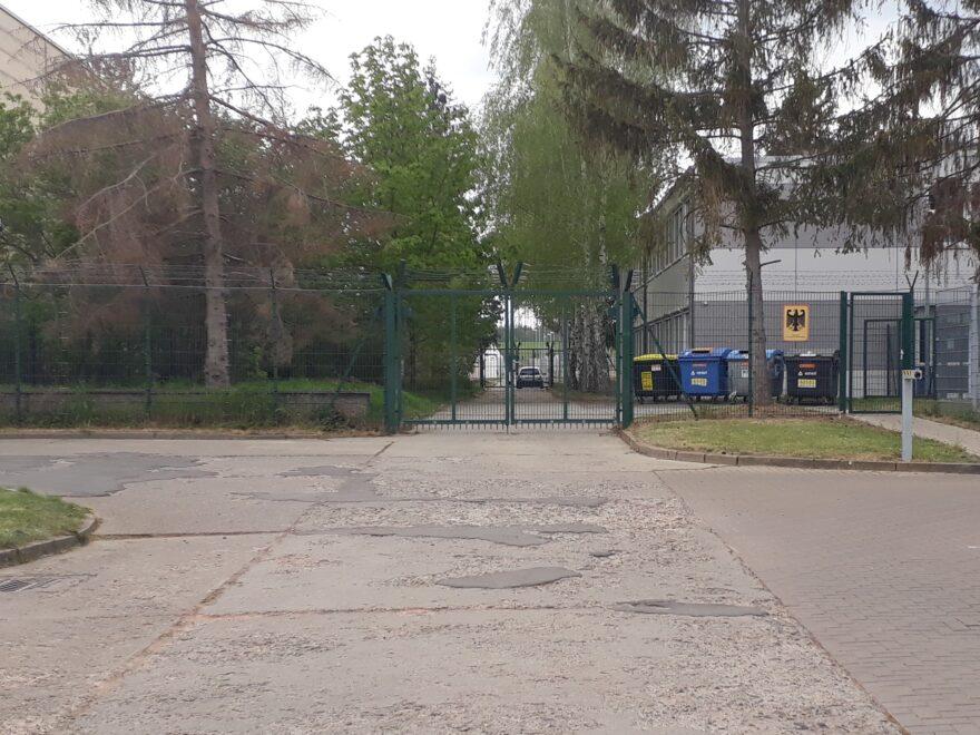 Tor des Flüchtlingslagers Zast-Halberstadt